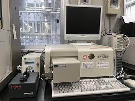 日本分光株式会社製 分光蛍光光度計(FP-6300) +近赤外領域拡像ユニット